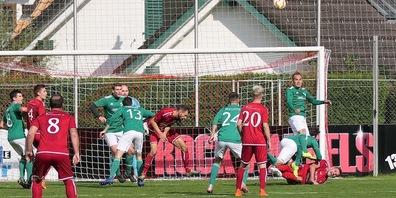 Die Angriffsbemühungen der Montlinger brachten zwei Penaltytore ein (Bilder: Ulrike Huber)