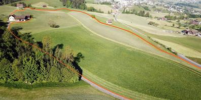 Auf rund acht Hektaren Land oberhalb Schindellegi sollen 550'000 Kubikmeter Aushubmaterial deponiert werden können.
