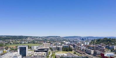 Der Kanton Zürich ist attraktiv für Hochqualifizierte aus der übrigen Schweiz. Familien und Pensionierte kehren dem Kanton dagegen eher den Rücken. (Symbolbild)