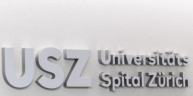 Kaderärztinnen und -ärzte am Universitätsspital Zürich und den anderen kantonalen Spitälern sollen künftig höchstens 1 Million Franken jährlich verdienen. Das hat der Kantonsrat am Montag entschieden. (Symbolbild)