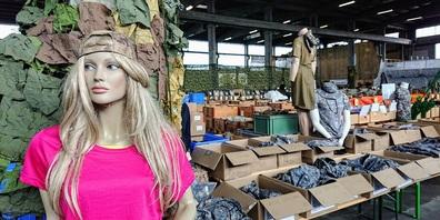 Neben Armeematerial gibt es auf 1500 m2 auch eine breite Auswahl an Camping- und Outdoorprodukten.