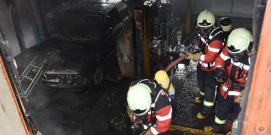 Schweiss- oder Schleifarbeiten stehen als Brandursache im Verdacht.
