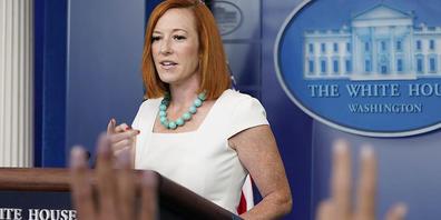 Jen Psaki, Pressesprecherin des Weißen Hauses, spricht während des täglichen Presse-Briefings im Weißen Haus. Die USA wollen die wegen der Corona-Pandemie verhängten Einreisebeschränkungen für Reisende aus Europa und anderen Staaten vorerst nicht ...