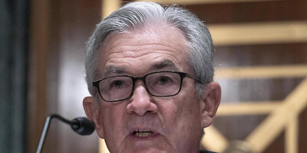 Jerome Powell,  Chef der US-Notenbank, will die geldpolitischen Zügel straffen. (Archivbild)