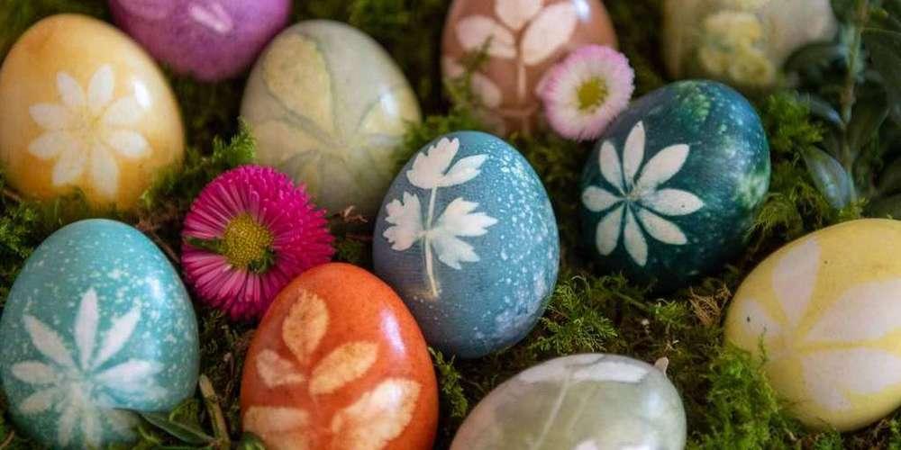 Ostereier kann man auch mit Naturstoffen färben