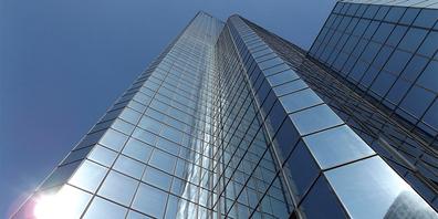 Hochhäuser können eine der Möglichkeiten sein, um Siedlungsgebiete zu verdichten. (Symbolbild)