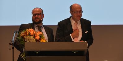 Nach einer rekordkurzen Versammlung langer Applaus für Martin Stöckling und Thomas Rüegg.