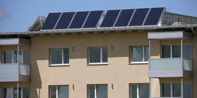 Bei Annahme des Gegenvorschlags werden vom Kanton jährlich bis zu 2,5 Mio. Franken in ein Förderprogramm investiert, mit dem insbesondere energetische Sanierungsmassnahmen an Gebäuden unterstützt werden. (Bild: Archiv)