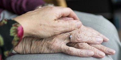 Für Gesetzesnachträge im Bereich Pflege hat der Kanton Umsetzungsbestimmungen erlassen. (Symbolbild)