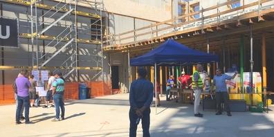 Zahlreiche Interessierte nutzten die Gelegenheit, um sich an Ort und Stelle über das Projekt, den Baufortschritt und die Mietflächen zu erkundigen.