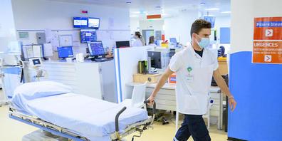 Der Bund empfiehlt den Kantonen angesichts der epidemiologischen Lage, in den Spitälern und Heimen eine Corona-Test-Pflicht für ungeimpftes und nicht genesenes Personal einzuführen. (Symbolbild)