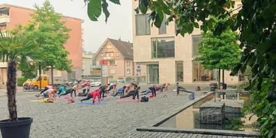 Am gleichen Ort wie die ebenfalls angebotenen Yoga-Lektionen.