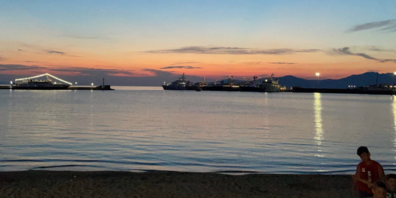 Vreni L: Ein paar ruhige Stunden am  Hafen von Mykonos geniessen