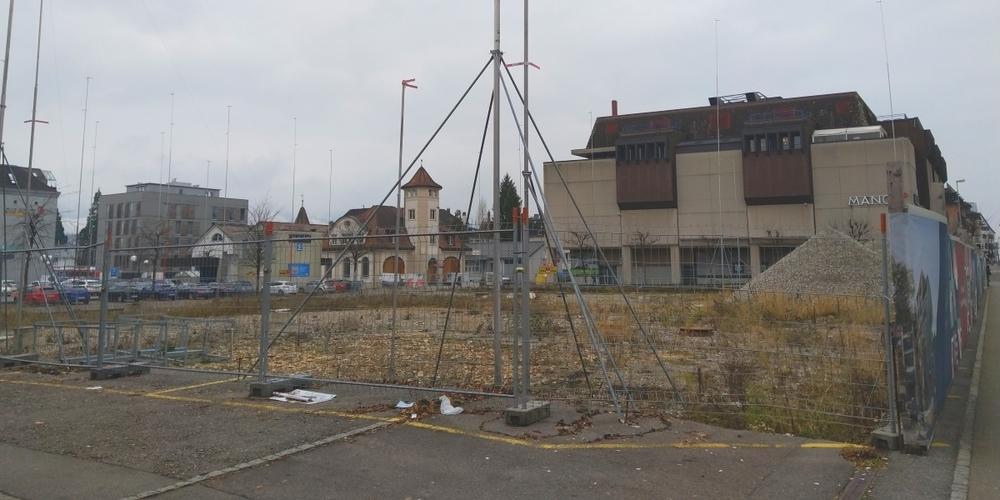 Die Baubrache des Citycenter Rapperswil könnte noch während Jahren weiter bestehen.
