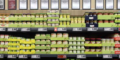Das Konserven-Sortiment in einer Lidl Filiale. Seit Anfang 2019 haben die Kunden vermehrt bei den Bio-Produkten zugegriffen. (Archivbild)