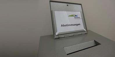 Wegen der Pandemie-Lage und zum Schutz der StimmbürgerInnen setzt die politische Gemeinde Benken eine Abstimmung an.