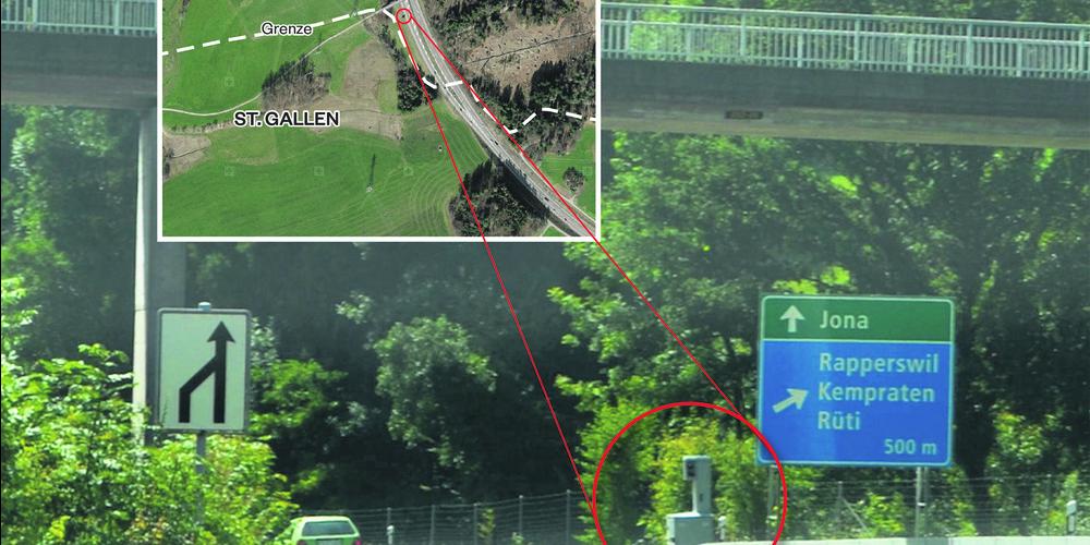 Abschiedsgruss von der Kantonspolizei Zürich. Zehn Meter von der St. Galler Kantonsgrenze entfernt, steht vor Rapperswil-Jona ein Blitzkasten der Kantonspolizei Zürich.