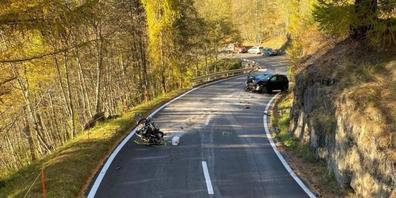 Bei einem Unfall auf der Nufenen-Passstrasse ist am Samstag ein Motorradfahrer ums Leben gekommen.