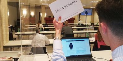Tausende Telefon- und Onlinegebote sorgten an der Auktion für hitzige Bietergefechte.