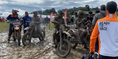 "Trotz schwierigen Bedingungen ""ready to race"" - das lieben wir an Motocross."