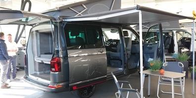 Camper sind gefragrt - Blick in den Showrooom der Schmid Garage in Gähwil.