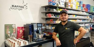 "Gkiosk-Inhaber Argjent Tairi setzt neu auf ""il caffè"" Cerutti."