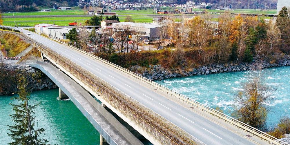 Die neue Velo- und Fussgängerbrücke über den Rhein kann seit letzter Woche offiziell benutzt werden.