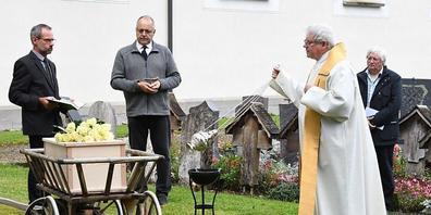 Der 1898 gestorbene Toggenburger Findling Johannes Seluner fand am Donnerstag in Neu St. Johann doch noch seine letzte Ruhestätte.