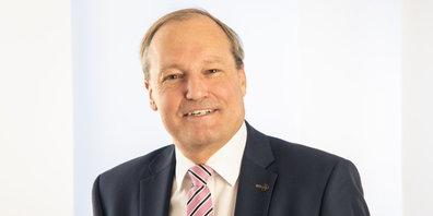 Jörg Kündig informiert über den aktuellen Stand der Vorbereitungsarbeiten.