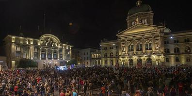 Demonstrierende aus der ganzen Schweiz protestierten in Bern gegen Ausweitung der Corona-Zertifikats.