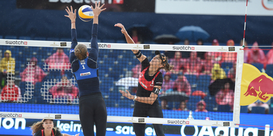 Tanja Hüberli und Nina Betschart spielten sich gestern souverän zum Gruppensieg und damit direkt in den Achtelfinal.