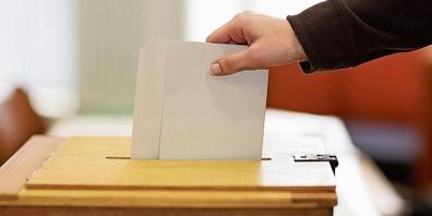 Abstimmung an der Urne (Symbolbild).