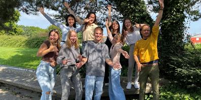 Die acht Teilnehmenden des diesjährigen KV4.0-Praxisjahres sind in vergangenen Sommer gut gestartet.