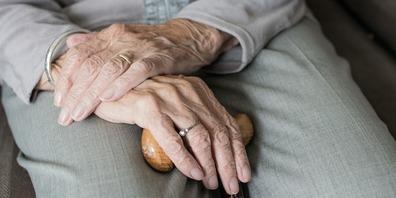 Bei der medizinischen Versorgung und dem Wohnen im Alter stehen vermehrt ambulante Angebote im Fokus.