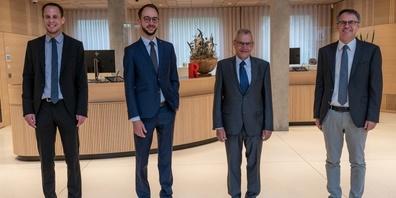 Bildlegende von links: Thomas Bleiker (Vorsitzender der Bankleitung), Tobias Bruderer (designiertes Mitglied der  Bankleitung und Leiter Services), Rolf Sprenger (Mitglied der Bankleitung und Leiter Services), Markus Hobi  (Präsident des Verwaltungsrats).
