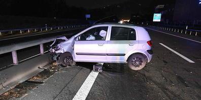 Ein 26-jähriger Autofahrer hat sich auf der Autobahn A1 in Rheineck SG bei einem Selbstunfall verletzt.
