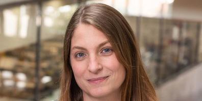 """Katie Ewer, Immunologin an der Universität Oxford, ist eine von mehreren wissenschaftlichen Beiräten der Fachzeitschrift """"Vaccines"""", die aus Protest gegen Fake News den Hut genommen haben (Universität Oxford)."""