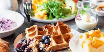 Sonntags, ab 11.30, trägt das Restaurant OLEA alles auf, was dem Gaumen Freude macht und richtig gut tut.