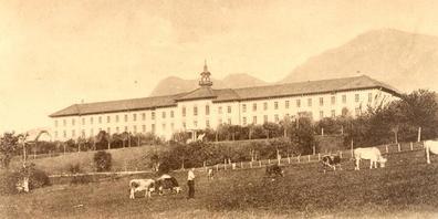Ansicht der psychiatrischen Anstalt Waldhaus in Graubünden. Sie ist wie die Klinik Beverin Thema in der Studie über die Psychiatriegeschichte Graubündens.