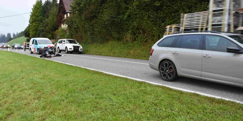 Am Donnerstagmorgen kam es auf dem Ricken zu einem Unfall mit einem Motorrad.