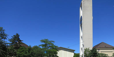 Das neue Zürcher Parlamentsgebäude bis mindestens 2027: die Bullingerkirche und ihr Kirchgemeindehaus. Der Regierungsrat hat den Mietvertrag sowie knapp 10 Millionen Franken für Umbauten genehmigt.