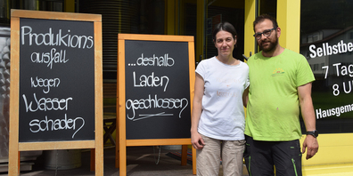 Bis auf weiteres bleibt der Selbstbedienungsladen der Milchwerkstatt in Buttikon geschlossen, doch Lisbeth und Fredy Niederberger wollen so bald als möglich wieder ihre beliebten Molkerei-Produkte herstellen.
