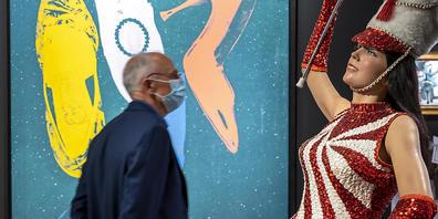 Eine Arbeit von Duane Hanson an der Art Basel: Die Veranstalter der Kunstmesse werten die zu Ende gegangene Ausgabe als Erfolg.