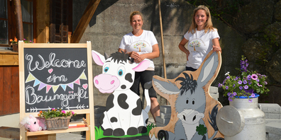 Dolores Suter (links) und Tochter Jasmin Treichler eröffnen im August eine Bauernhof-spielgruppe in Feusisberg.