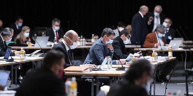 Der Kantonsrat entscheidet in der Junisession unter anderem darüber, ob die Kirchen bei Abstimmungskämpfen einen Maulkorb erhalten sollen.
