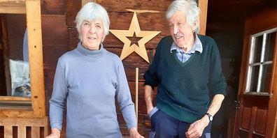 Die Alpgenossenschaft Furna bedankt sich bei Annalis und Andris Bärtsch für drei Jahrzehnte treue Hirtschaft.