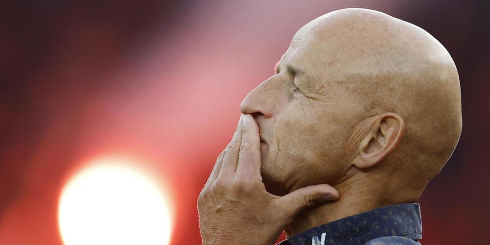 Für St.Gallens Trainer Peter Zeidler ist es zum Verzweifeln: Sein Team wird schon zum vierten Mal in Folge geschlagen