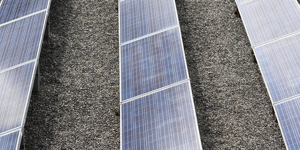 Die Energieversorger zahlen für Solarstrom Einspeisevergütungen in unterschiedlicher Höhe. (Symbolbild)