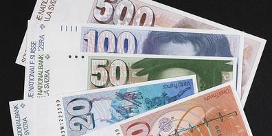 Die sechste Banknotenserie, die von 1976 bis 2000 im Umlauf war, wurde von Ernst Hiestand und seiner damaligen Ehefrau Ursula Hiestand gestaltet. (Archivbild)