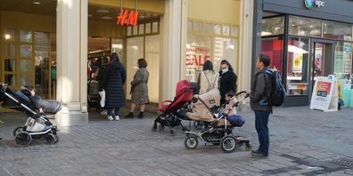 Endlich wieder Shopping: Die St.Galler Innenstadt war gut besucht.
